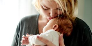 Maternità anticipata, a chi spetta e come funziona