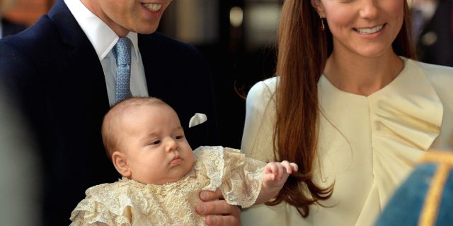 Reali d'Inghilterra, battezzato il royal baby George