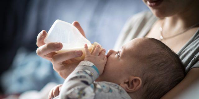 La fisiologia della suzione tra 0 e 12 mesi: tettarelle e biberon