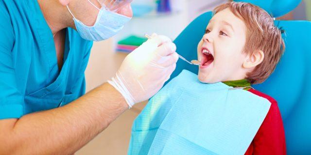 Quando portare il bambino dal dentista