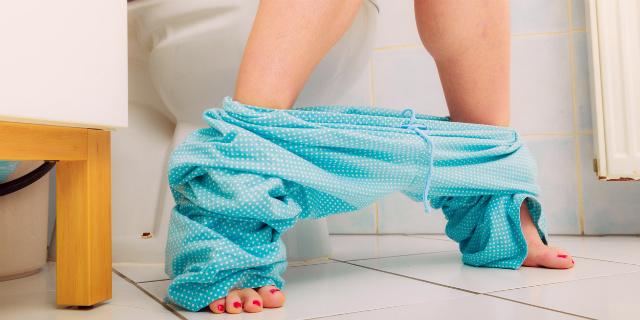 """""""Non riesco ad andare in bagno"""": stitichezza in gravidanza, cause e rimedi"""