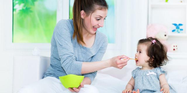 Come devono essere alimentati i bambini? Ecco la dieta ideale da 0 a 3 anni