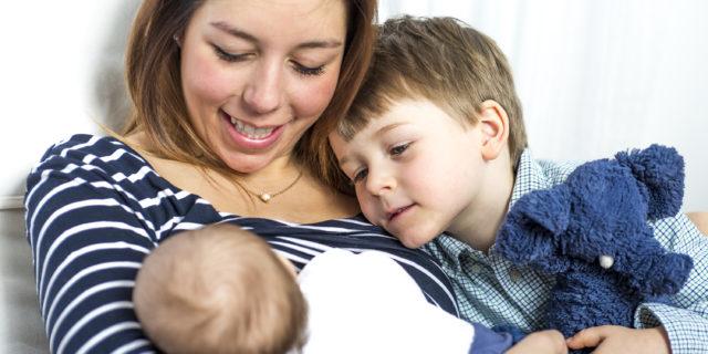 I bambini diventano più intelligenti se allattati al seno