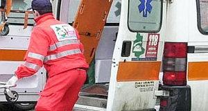 Pescara, partorisce in auto aiutata dal marito e dal telefono