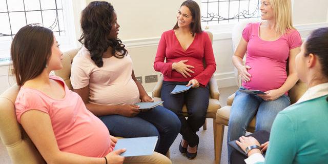 In Italia aumentano i cesarei e l'età media, in calo le IVG