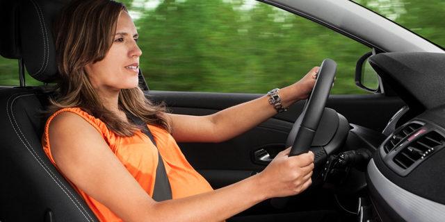 Guidare in gravidanza: con prudenza si può!