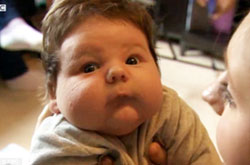GB, nasce un bimbo taglia XXL: pesa oltre 7 chili!