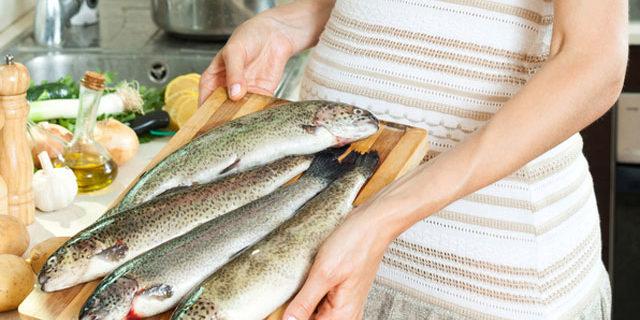 Se la mamma mangia molto pesce in gravidanza, il bambino sarà più intelligente