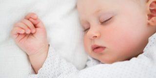 Sonno del bambino: le cattive abitudini da evitare
