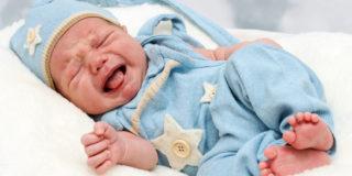 Coliche del neonato: come riconoscerle e affrontarle
