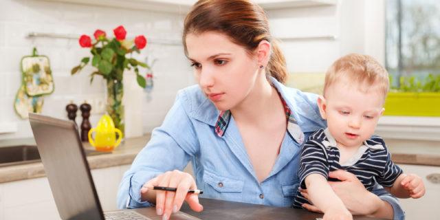 Mamme: cinque idee per lavorare da casa