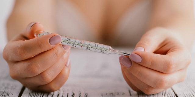 Come la temperatura basale può aiutarti a rimanere incinta