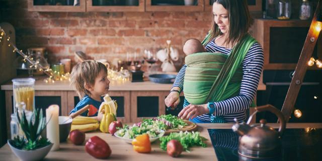 Dieta post parto: menu e consigli per le neomamme
