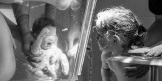 Dal travaglio alla nascita: il parto visto dai fotografi del mondo