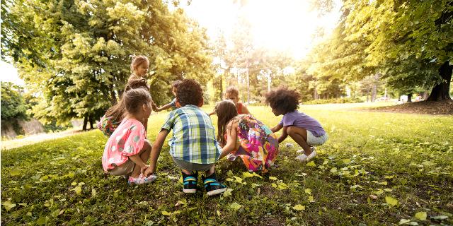I migliori giochi per bambini da fare all'aperto o in casa