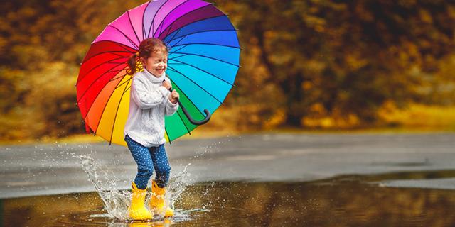 pioggia bambini autunno