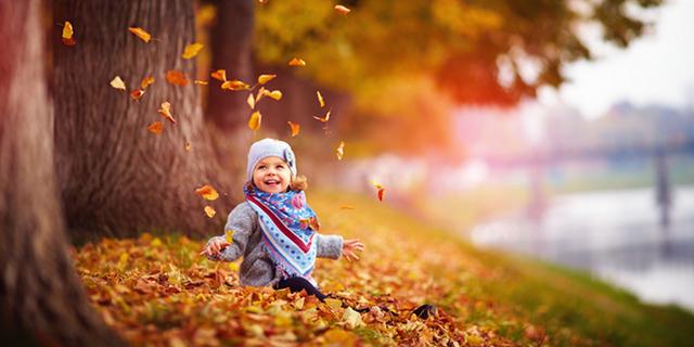 Autunno in casa, anzi no: 6 modi per divertirsi con i bambini all'aperto