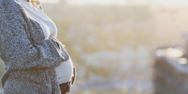 Lo smog arriva fino alla placenta: la prima prova scientifica