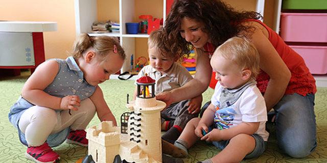 Largo alla Tagesmutter: i 7 vantaggi e i requisiti degli asili familiari