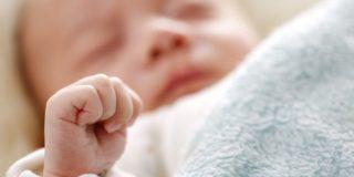 Sindattilia, quando il bambino nasce con le dita unite