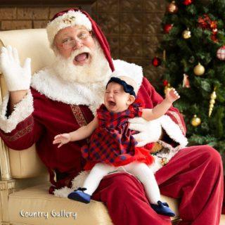 I piccoli aiutanti di Babbo Natale nel mondo