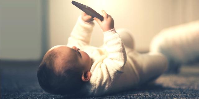 """Smartphone ai bambini? """"La regola è darsi delle regole"""""""