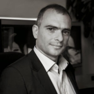 Avv. Lorenzo Cirri