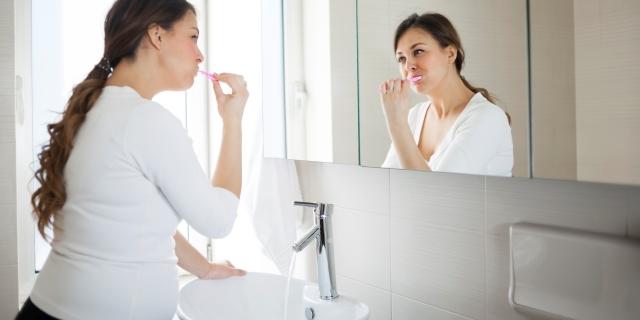 Gengivite in gravidanza, come curare la fastidiosa infiammazione della bocca