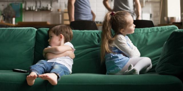 Gelosia tra fratelli: come affrontarla? I consigli dell'esperta