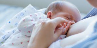 Preparare il seno all'allattamento: serve davvero?