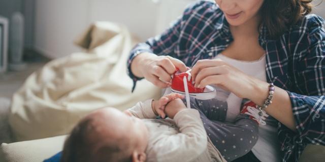Le 8 migliori scarpine da neonato per muovere i primi passi