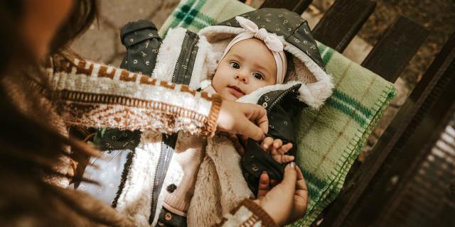 come vestire un neonato in inverno