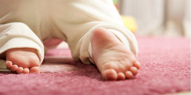 """Gattonare: così i neonati iniziano a """"conquistare il mondo"""""""
