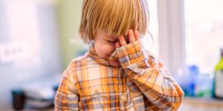 Se il bimbo batte la testa e spunta il bernoccolo: cosa fare?