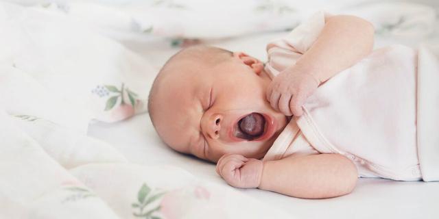 Laringite bambini: come riconoscerla, cause, sintomi e rimedi
