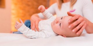 Massaggio infantile: origini, tecniche e benefici