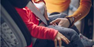 Bambini in auto: come viaggiare in completa sicurezza