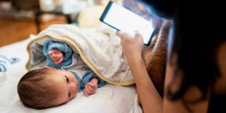 Mamme e bimbi sui social: 5 regole per non perdere gli amici (non solo virtuali)