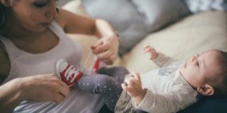 Come vestire un neonato: i consigli per tutte le stagioni