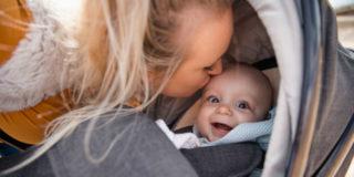 Riduttori passeggino per neonato: a cosa servono e come sceglierli