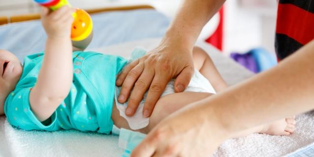 Cambio del pannolino: 3 consigli anti-stress