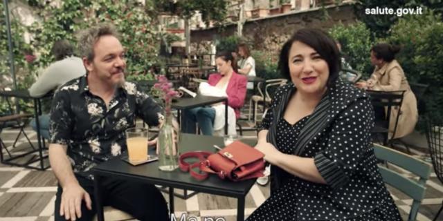 """""""È naturale"""": la campagna che promuove l'allattamento al seno"""