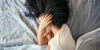 Mal di testa in gravidanza, i motivi per cui viene (e i rimedi)