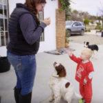 """""""Addestra tuo figlio come se fosse un cane"""": lo show che indigna i genitori"""