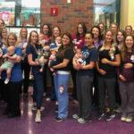 Baby boom nel reparto maternità: 36 infermiere diventano mamme insieme