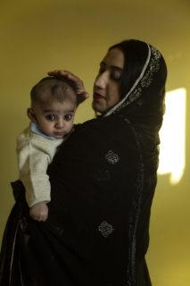 Le luci e ombre della maternità in 10 fotografie