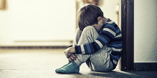 Schiaffi ai figli vietati per legge in Scozia: la proposta