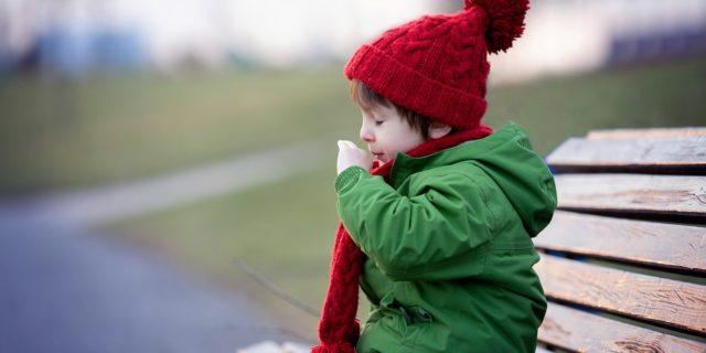 Tosse nei bambini: quali sono le cause e come curarla