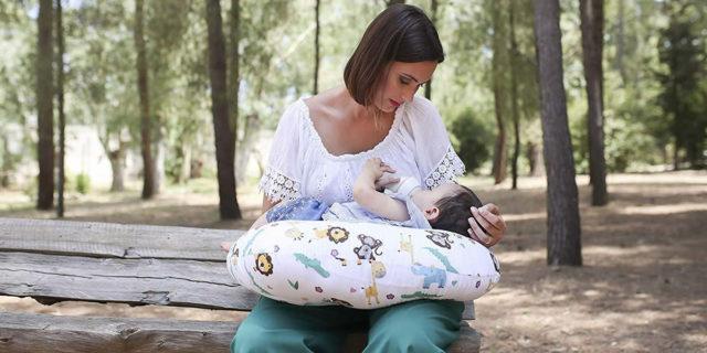 Cuscino per allattamento: i migliori e più comodi