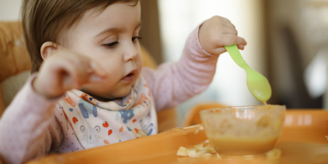 Come svezzare il tuo bambino senza inquinare lui e il suo futuro